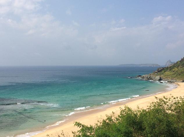 praia+boldro+noronha