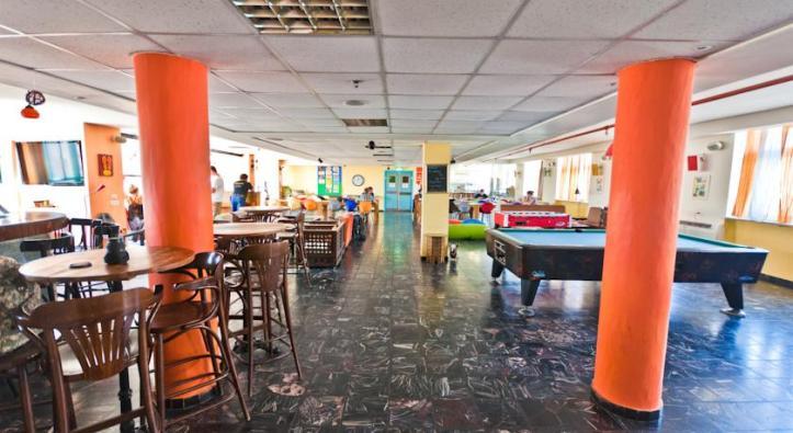 ab-lounge2